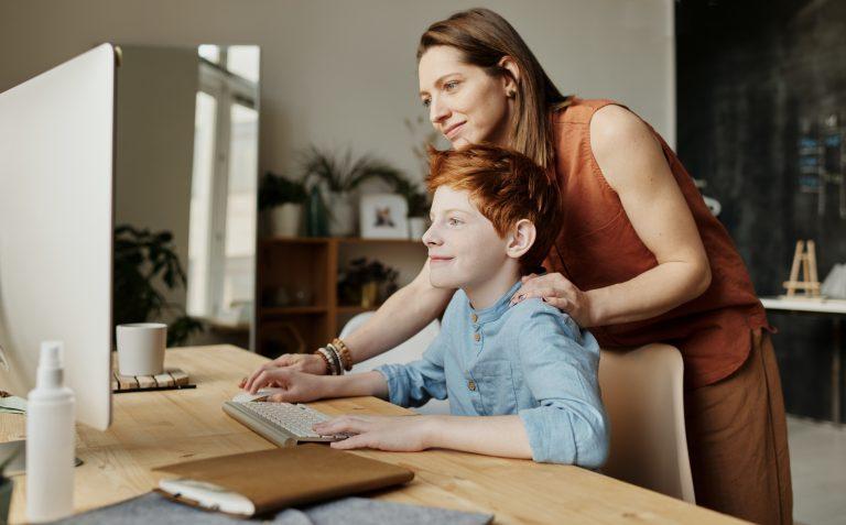 Hoe lang mag jouw kind gamen tijdens de vakantie? - Rule the Game